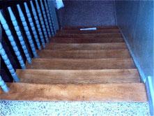 Treppe Tritttufe schleifen alte Versiegelung schleifen Berlin