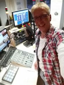 (Foto: Peer Wagener im Citystudio 1 von radio leinehertz 106.5)