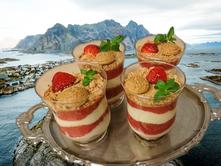 Sommerdessert, leicht, Erdbeerdessert