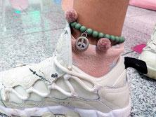 Ferienkurse Kinder Schmuck Kurs Workshop Düsseldorf, zur Beschreibung Bunte Hippy Armbänder