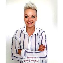 Smiling HappyCoach Nadine Dunst-Ender