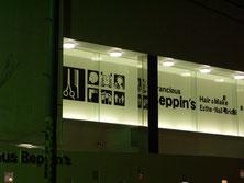 豊川の美容室さんの窓ガラス用のカッティング文字看板