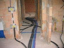 Master srl impianti elettrici civili Milano - Realizzazione - Posa tubi corrugati nel massetto del pavimento