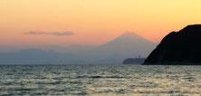 Zushi Beach, you can see Enoshima and Mt.Fuji from here! (逗子,江ノ島,富士山)
