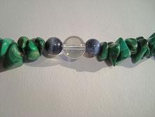 Detailansicht Umgestaltung einer Malachit Halskette