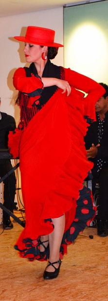 Maribel Ximenez  tanzt Flamenco zur Vernissage