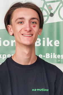 Deniz, In Ausbildung zum Zweiradmechatroniker