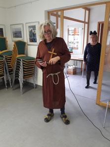 Der Vorsitzende als Mönch