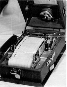 Kienzle-Arbeitsschauuhr - mechanische Betriebsdatenerfassung - Messschreiber