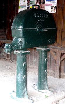 Une des 3 pompes Dragor de Velennes- Photo: Patrice Lenne