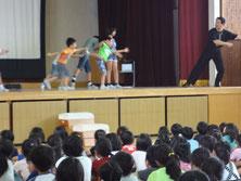 小学校、道徳の授業出演