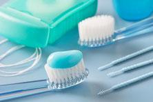Zahnbürste Zahnpasta Zahnseide