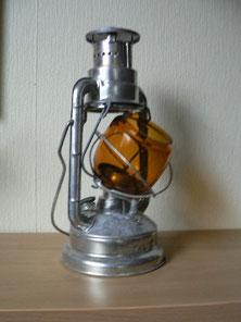 ASA mit zur seite ausgefahrenen Glas zum Anzünden