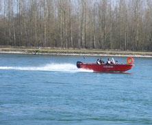Unser Mehrzweckboot (MZB) in voller Fahrt.