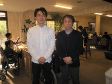 鎌田社長と。揺るぎない信念に基づいた新しい価値観で、介護業界に風穴を開けようとされています。社長、その新しいビジネスモデル、全力で応援させていただきます!