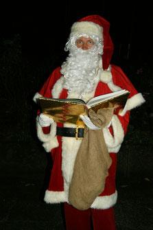 Weihnachtsmann als Walkingact zu mieten