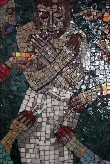 10. Station: Jesus wird seiner Kleider beraubt