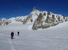 Au retour vers le Col du Géant, en direction de La Pointe Hellbronner et du Refuge Torino
