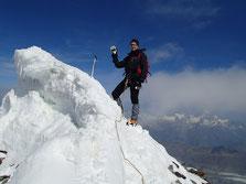 Au point culminant de la traversée, le sommet du Lyskaam Est. Bravo Gérard!