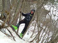Ski serré en forêt... Si Arnaud, ça passe! ;-)
