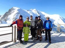 Amis et famille à l'Aig. du Midi, et le Mt-Blanc