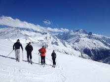 Petite pause avec vue à la descente. Regard sur La Verte. Encore du beau et bon ski !