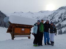 Laura, Miles, Oliver et Bex au Lac de Gers