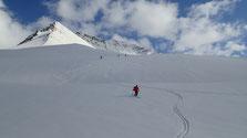 Rien à dire, c'est du très beau ski depuis la base de l'arête jusqu'au refuge. Excellent !