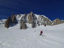 Beau ski sur le Glacier du Géant