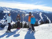 Claire, Charlie, Jamie et Millie au Mont Chéry