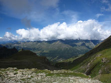 Vue sur le Val d'Ayas depuis le col Pinter