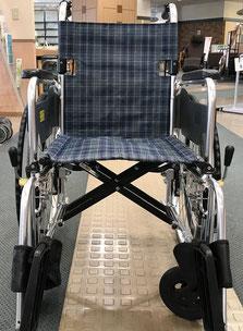 貸出用車いすの写真