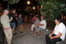 Meja neit : arresopet e debriefing sus la plaça de Sent-Lari!