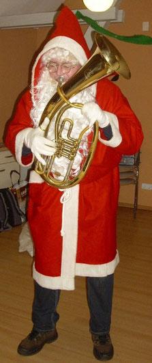 unser rühl'sche Weihnachtsmann kam mit seinem Horne an.