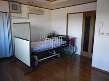 事業所内の研修用介護ベッド