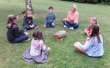 Groupe d'enfants de 3 à 15 ans - Accompagnement des parents si besoin - Ateliers en extérieur possibles