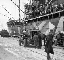 Einschiffung der 15. Panzerdivision in Neapel im April 1841