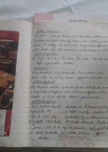 """Buchseite mit Rezept """"Mostrichgurken"""""""