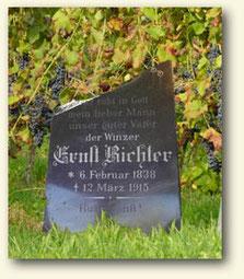 Grabstein eines der letzten Lausitzer Winzer zum Anfang des 20. Jahrhunderts