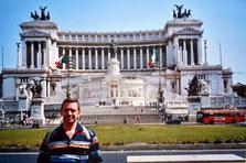 Palacio desde donde Mussolini arengaba a sus tropas (WWII)