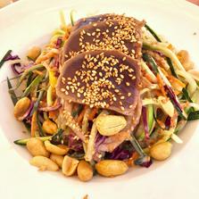 Asia Salat zum Mittagessen. Mhmm....