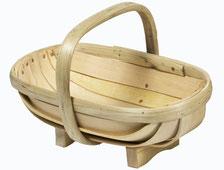 Die Royal Sussex Gartenkörbe werden seit Jahrzehnten in der britischen Grafschaft Sussex von Hand aus Esskastanienholz gefertigt. Wunderschön und extrem haltbar. www.the-golden-rabbit.de
