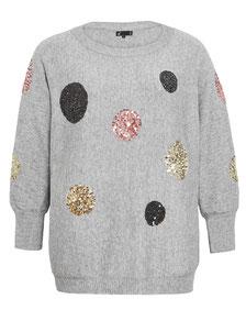grauer schicker Pullover für mollige Frauen
