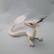 羊毛フェルト 桜 竜 ドラゴン