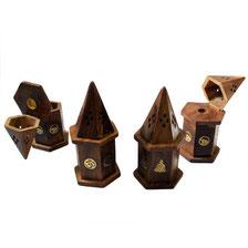 porte-encens en forme de pyramide