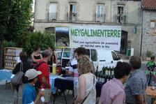 Jour de marché à St Julien-Chapteuil