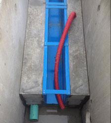 Gaine dans canaux de comptage / fabrication béton de Pajot Entreprise, Villeréal