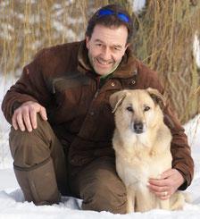 Chris Goette ist von der Tier-ärztekammer Niedersachsen geprüfter und zertifizierter Hundetrainer