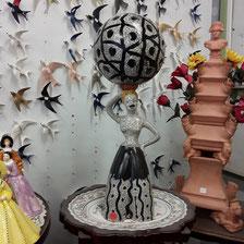 Lampe faience décor craquele éclairage  intérieur  hauteur 70cm prix 435 euros