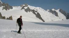 Pause sur fond d'Aiguille du Midi, Vallée Blanche et Aiguille du Plan